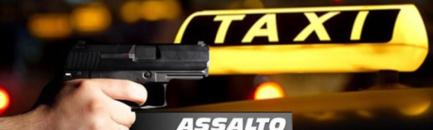 Assaltante foi baleado na perna pela polícia quando fugia em táxi roubado